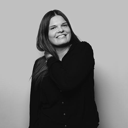 Karin arbetar med innehåll och är ansvarig för sociala medier